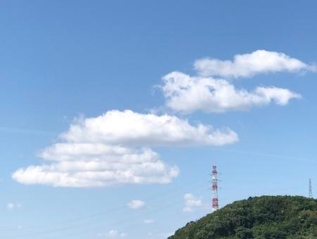 2020年5月 雲 鯉のぼり ときめきな日々.JPG