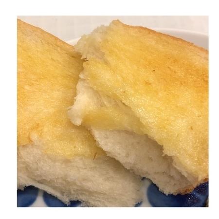 セブンイレブン 金の食パン (4).JPG