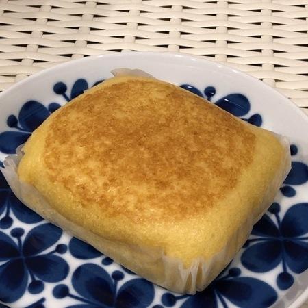 ヤマザキ 熟成厚焼きたまご風蒸しパン (3).JPG