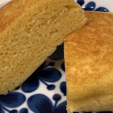ヤマザキ 熟成厚焼きたまご風蒸しパン (4).JPG