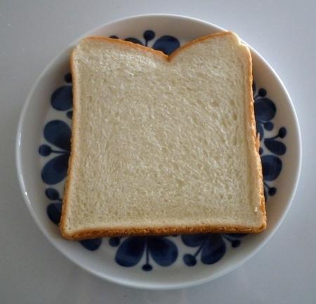 ローソン 毎朝の食パン (2).JPG