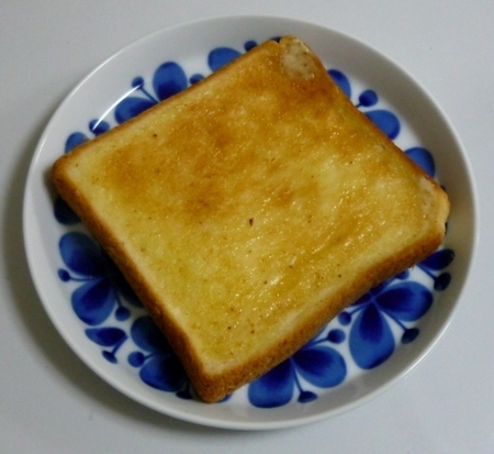 ローソン 毎朝の食パン (3).JPG