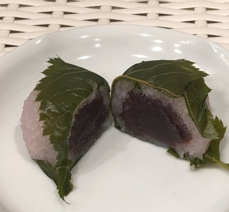 京都 下鴨神社 加茂みたらし茶屋 桜餅 (2).JPG
