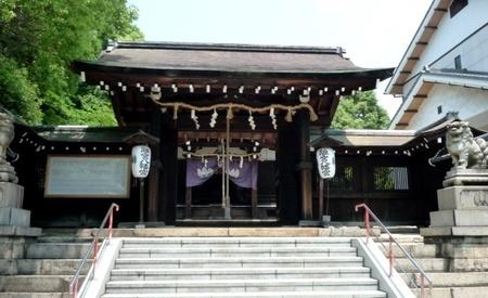 京都 大山崎 JR山崎駅前 離宮八幡宮.JPG