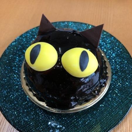 大阪 十三 ケーキ ハンブルグ 黒猫のショコラムース.JPG