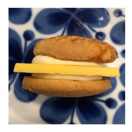 東京駅 東京土産 マイキャプテンチーズ チーズチョコレートバーガー.JPG